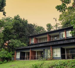 Hotel Rainforest Resort Athirapally Water falls